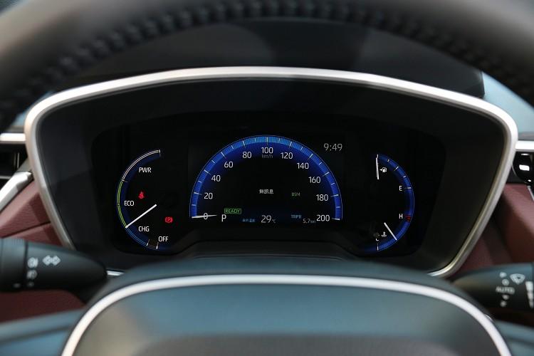 7吋的數位儀表板就跟Altis Hybrid相同。