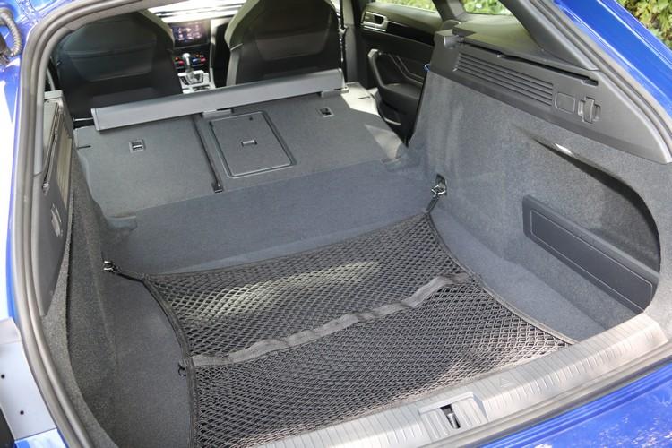 超大載物空間是旅行車最重要設計,媲美SUV的載物機能也成為此車的賣點之一。