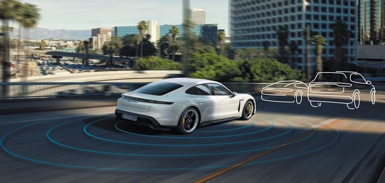 作為車輛的整體開發者,保時捷工程從軟硬體到必要的組織網絡,全面採用最新科技。