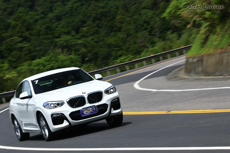 不得不承認BMW對於車輛設定的功力超強,如果不說我開的是X4,會誤以為我在哪台跑車上。