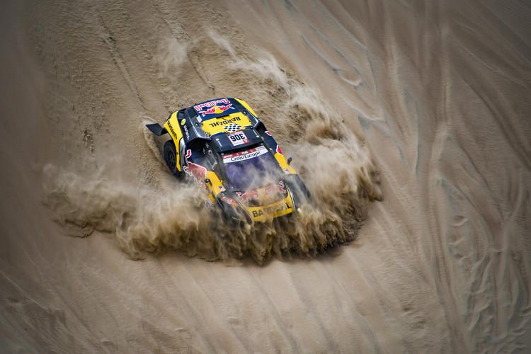 Peugeot選擇不以廠隊身份參賽,Sebastien Loeb只能駕駛2017  Peugeot 3008DKR賽車為私人車隊出征。