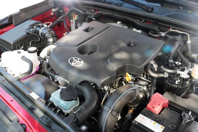 動力部分搭載一具2.8升四缸渦輪增壓柴油引擎,最大馬力有177ps/3400rpm與最大扭力45.9kgm/1600-2400rpm。