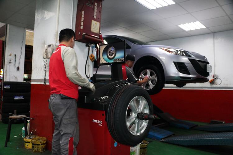 安裝過程不能馬虎,尤其是輪胎平衡的動作。