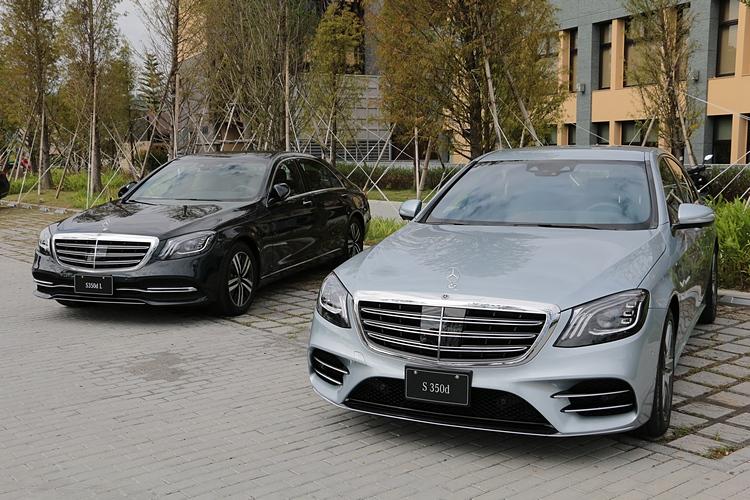 與長軸版 S 350 d L相比,S 350 d 運動版標配 AMG Line 跑車化套件,呈現出不同凡響的氣勢與性格。