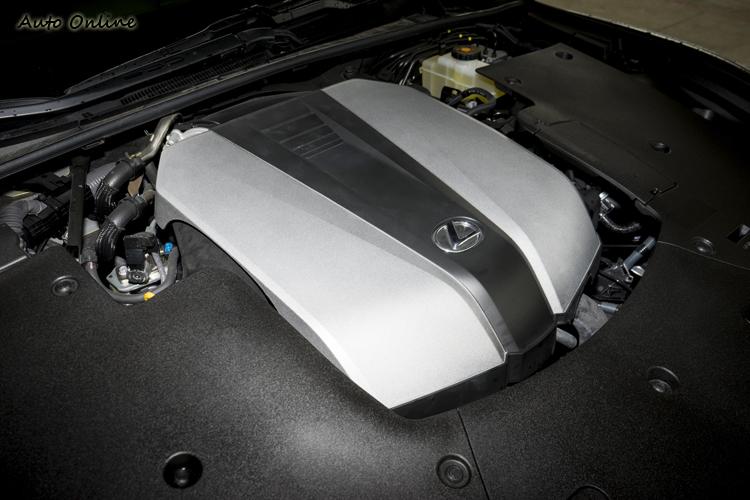 3.5升V6自然進氣引擎,最大馬力315匹。