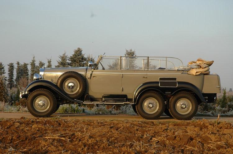 1934年Daimler-Benz為軍方再度打造的越野車G4(W31),具有更好的動力與越野能力,更提升了舒適與豪華程度。