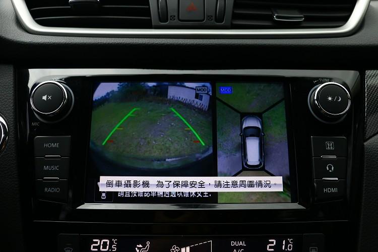 AVM 360゚環景影像行車輔助系統,改善SUV車型常見的駕駛死角問題。