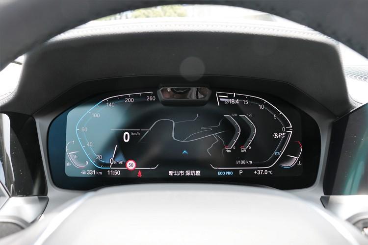 儀表板採12.3吋全彩虛擬螢幕呈現。