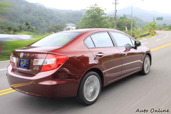 新的Civic就以外觀而言,確實沒有徹頭徹尾的改變,只在風格上稍有修飾。