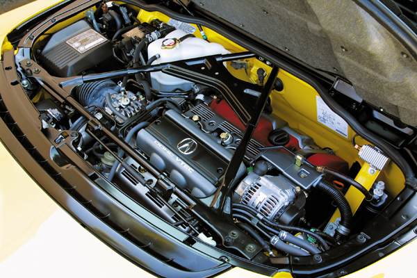 1997年小改款之後排氣量小幅提升的C32B引擎。