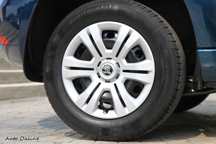 Yeti 1.2 TSI輪圈為16吋雙肋五輻式樣。