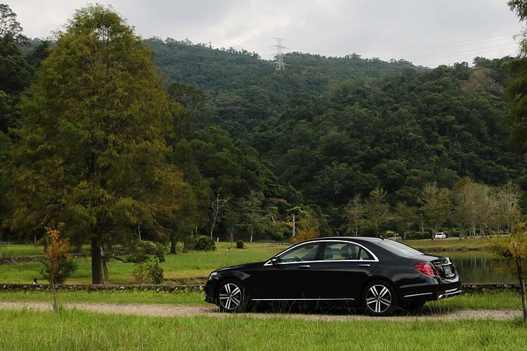 作為車壇最知名的旗艦房車代表,S-Class 造型特質一向都以氣派沉穩見長。