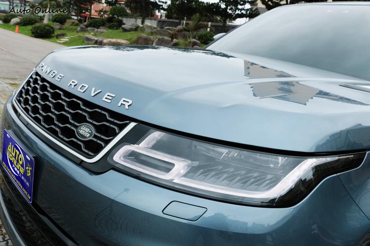 頭燈組外部造型與改款前相同,調整內部燈組細節與配備升級。