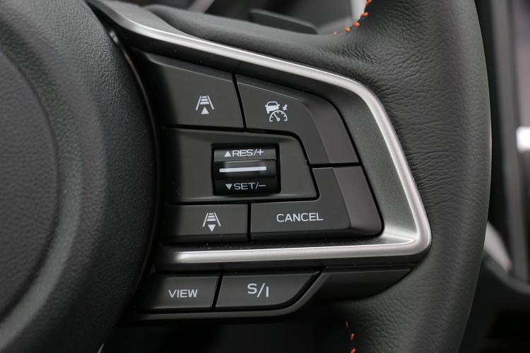新搭載的SI-DRIVE雙模式動力控制系統,提供運動(Sport)及智慧(Intelligent)兩種駕駛模式選擇,能讓駕駛者能依照不同路況和情境變化操駕。