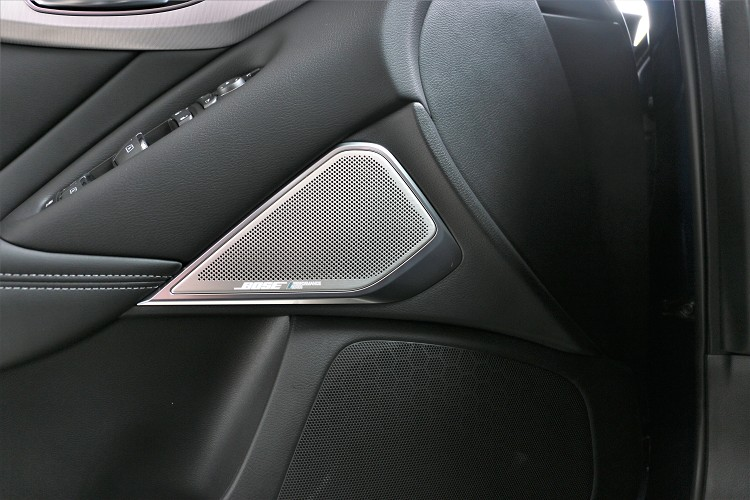 旗艦款以上車型擁有專屬BOSE Performance 16具揚聲器。