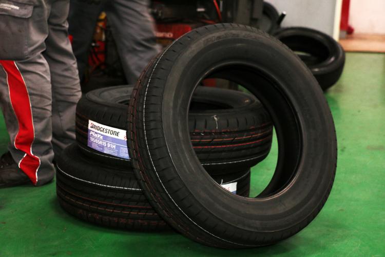 BRIDGESTONE PLAYZ PX輪胎建議售價2300~3200元。