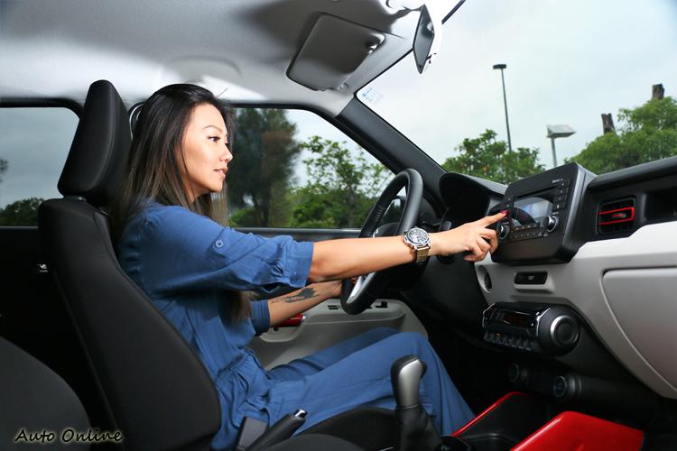 車內配備中規中矩,夠用卻不簡陋,操作上好上手不會感到過於複雜。