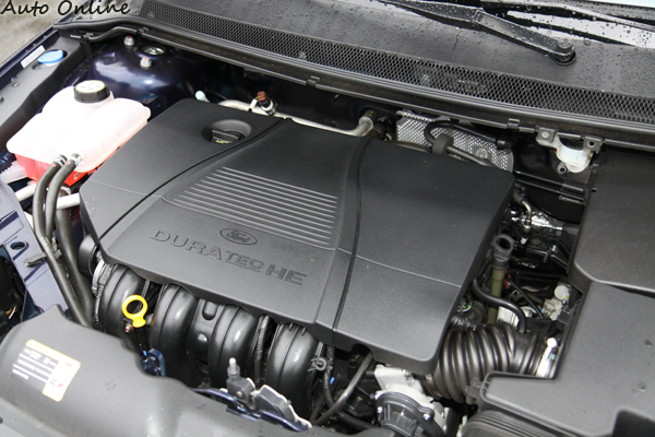 Focus 1.8升的自然進氣引擎,最大馬力132hp要在引擎6000rpm才能全部爆發,在4000rpm釋放17.2kgm最大扭力。