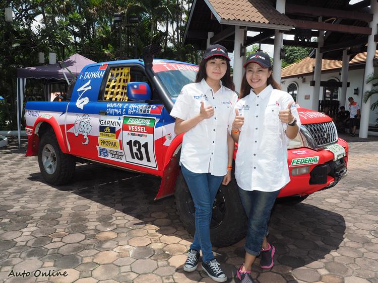 車手沈佳穎今年是第一次從副駕駛升級正駕駛,十八歲副駕駛陳怡文令人佩服她的膽識。