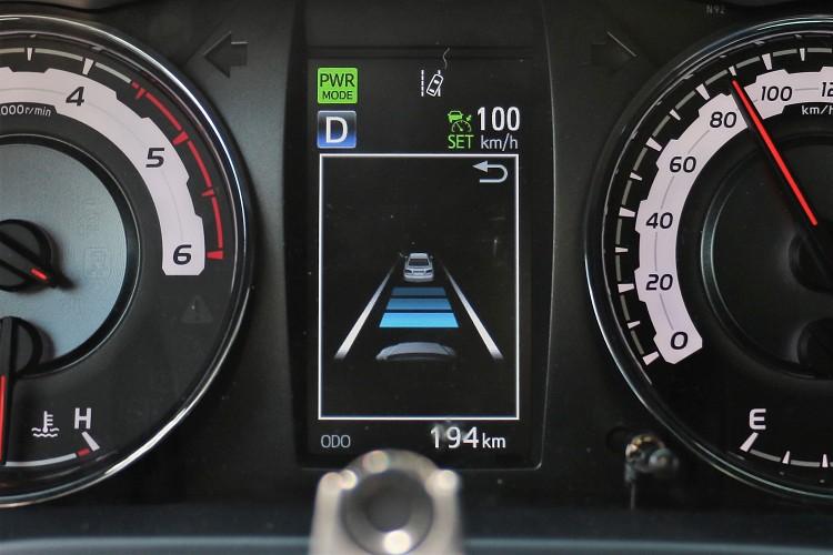 ACC主動式車距維持系統,30km/h以下就會解除。
