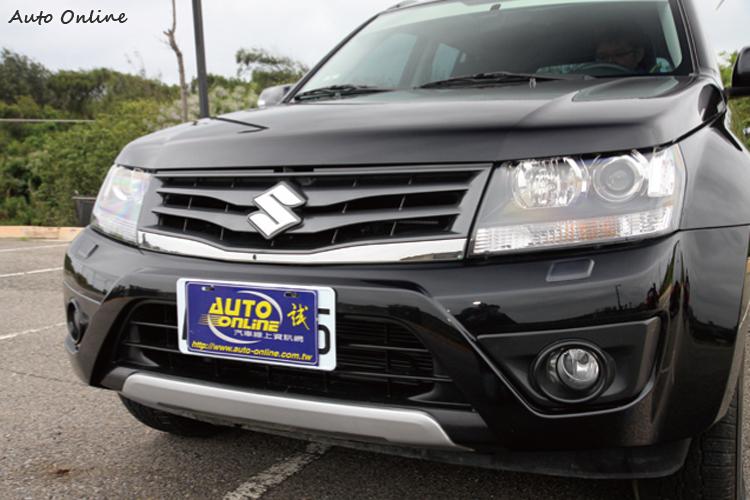 方正的線條與重視越野角度的車身輪廓展現「本格派」SUV精神。
