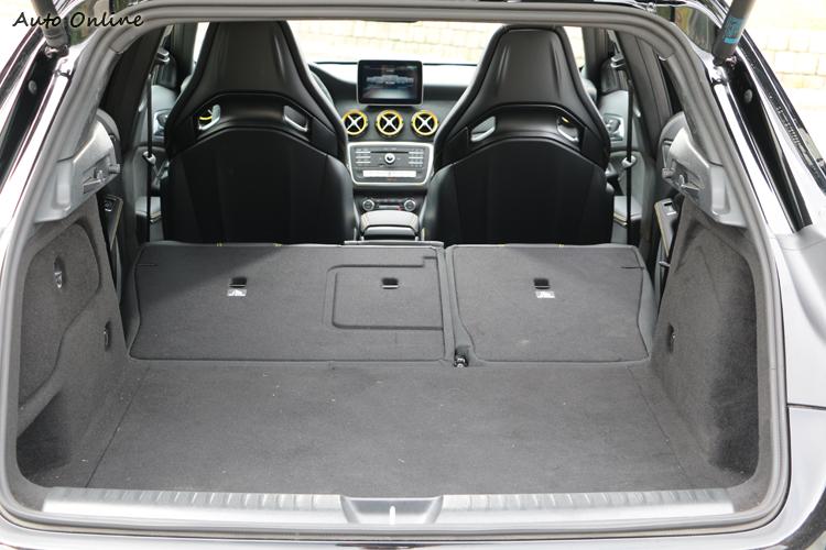 即使擁有休旅車的造型,不過載物空間的表現在同級之中只能吊車尾。