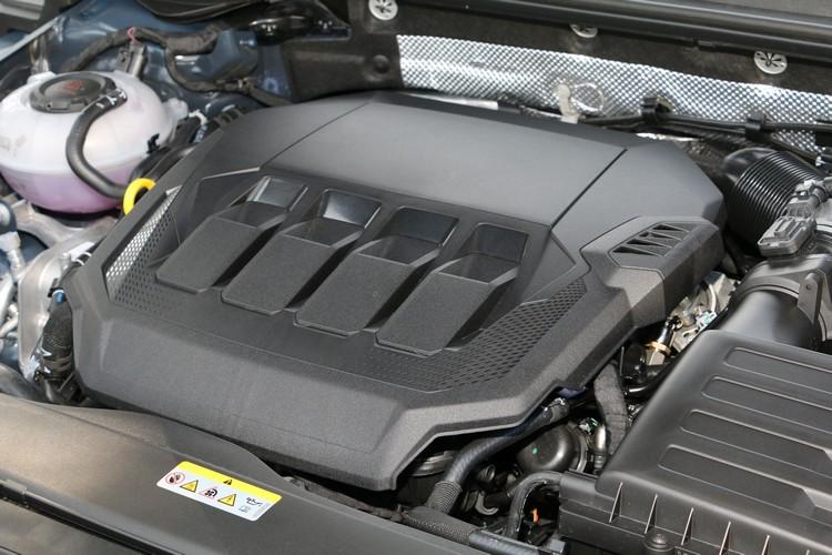 標準駕駛模式是最適合此車的設定,190ps足以應付絕大多數的用車場合。