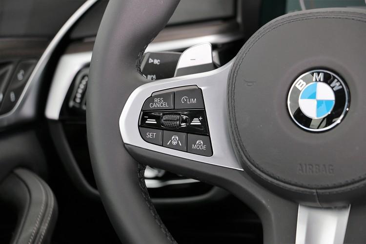 主動車距控制系統可從駕駛左側調整距離、車速等。