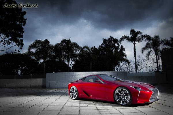 LEXUS年初在底特律北美車展中展出的LF-LC概念跑車,宣示該品牌下一輛超跑作品極有可能朝向Hybrid化發展。