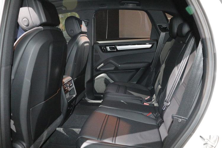 Cayenne以其同時滿足運動性能與實用機能的特質,成為市場上運動型LSUV最成功的產品之一。