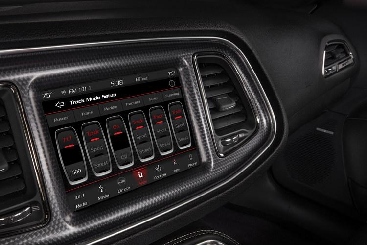 高度數位化的駕駛模式調整,也是高性能車必備。