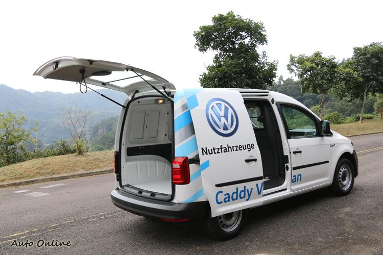 Caddy Van的造型成熟,開起來輕鬆,坐起來舒服,品質和安全性都有一定水準。