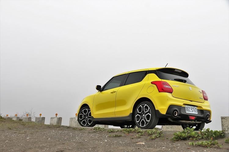 處處打壓手排新車的市場環境中,Suzuki還是依舊導入Swift Sport手排車款絕對值得車迷朋友鼓勵。 /