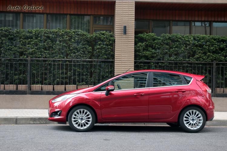 Fiesta運動化的調校處理,操駕感受具有強烈的駕駛樂趣。
