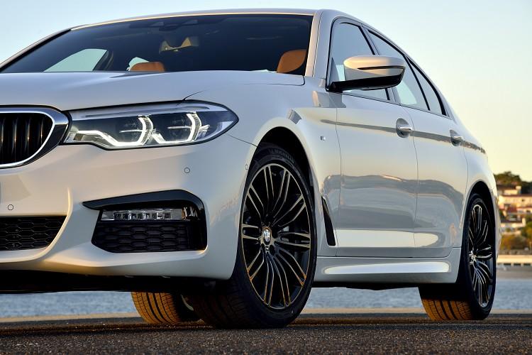車側導流氣孔(Air Breather)不同風格套件會有不同的飾板點綴。