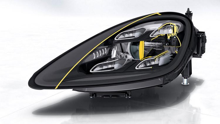 動態照明升級系統由 84個可個別啟動的發光二極體控制光束的分佈及強度,並具備主動式交通號誌眩光控制功能。(意即在偵測到道路上的交通號誌時,可自動調節頭燈LED,避免過強光線反射造成駕駛者判讀困難)