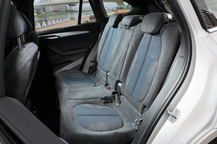 前一代相比,後座的腿部空間增加37mm達到560mm。
