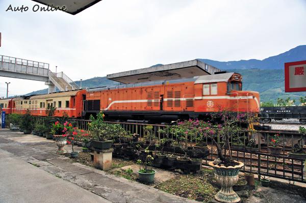 在台灣東部尚未電氣化的鐵路路段上可以見到的柴電機車,實際上就是一種非常常見的Hybrid交通工具。