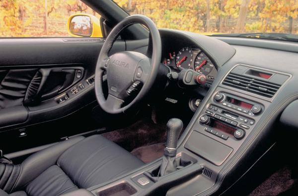 NSX的駕駛艙。