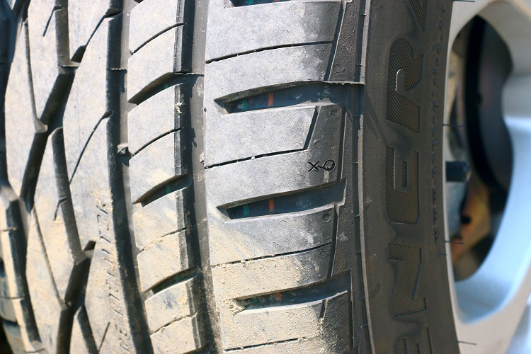 輪胎表面上有很多字樣,提供VAI與RTM兩種輪胎監視功能。