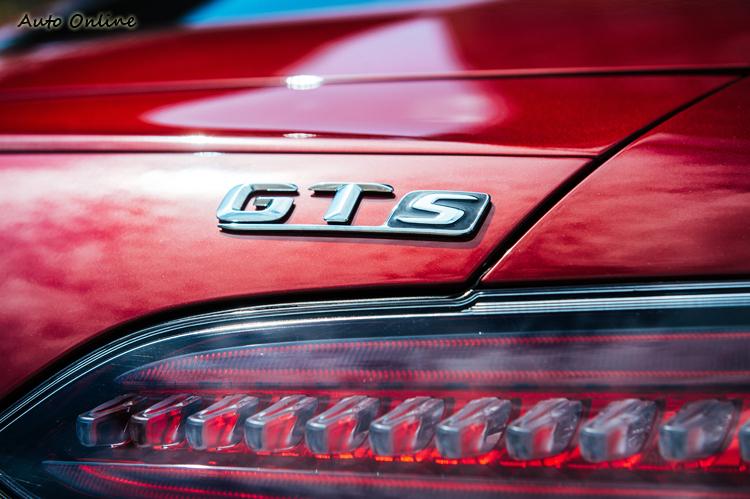此次參加AMG Driving Academy的高級班,除了能體驗珠海賽道外,最期待的就是AMG GT S。說也有趣,GT版都沒有正式發表,一開始就端出GT S版,台灣也一樣。