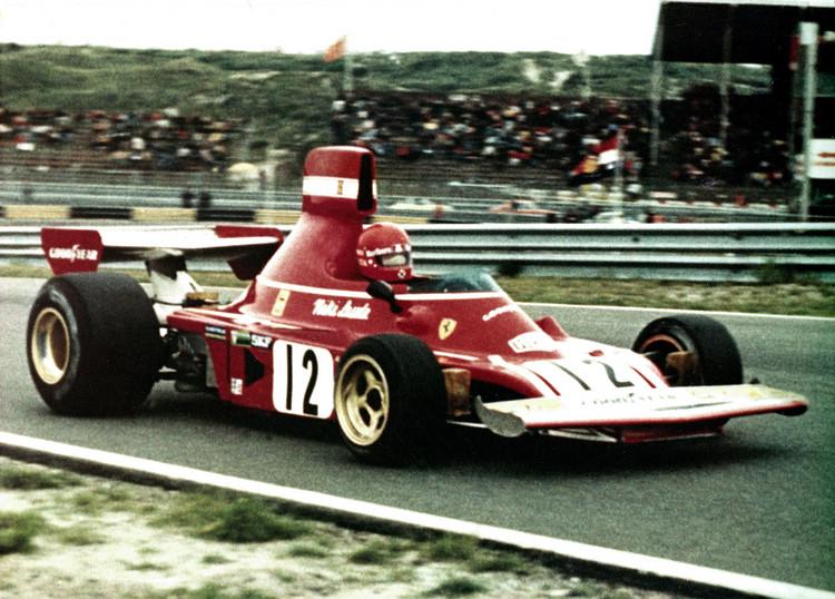 在高科技尚未全面取代成為決定勝負關鍵的舊年代,F1競賽帶車迷的感官刺激依然極具震撼,如今的作為只是為了找回這種被遺忘已久的感覺。