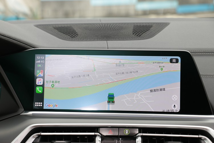 無須接線就可使用Apple CarPlay。