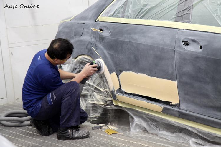 80年代當時的新車防鏽技術不佳,加上台灣濕冷的潮濕環境,車身生鏽很常見,買回來外觀重新烤漆才會漂亮。