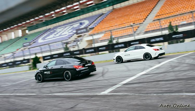 AMG駕駛學院選定的都是符合國際賽事規格的賽車場,以往只能當觀眾,現在能夠下賽道磨練技術,是非常珍貴的體驗啊!