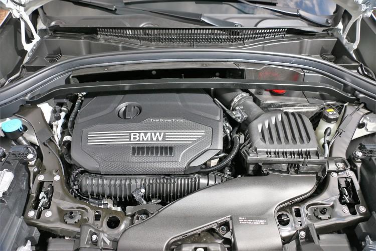 搭配2.0升渦輪增壓引擎,最大馬力可爆發出192hp/5000rpm及28.55kgm/1250rpm最大扭力。