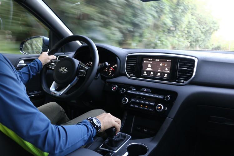 2.0升CDRi柴油動力在爬坡時勁道十足,而且保有車室的寧靜度。