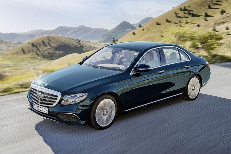 代號W213之Mercedes-Benz全新世代E-Class正式現身,集合效能、安全、舒適、動感、豪華等五大創新於一身。
