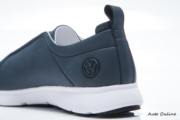 Easy 獨有的Volkswagen立體浮雕廠徽。