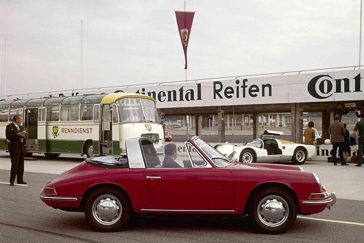 1967年式Porsche 911 2.0 Targa。